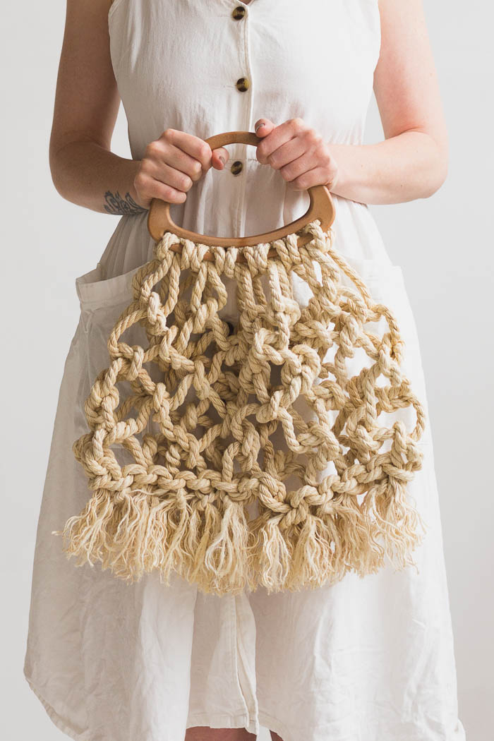 DIY Macrame Tote Bag | @fallfordiy