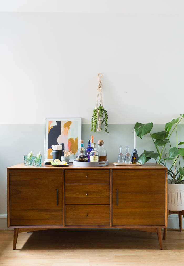Five ways to style a sideboard | @fallfordiy